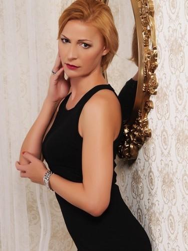 Sex ad by MILF escort SimoneDeluxe (41) in Bratislava - Photo: 6