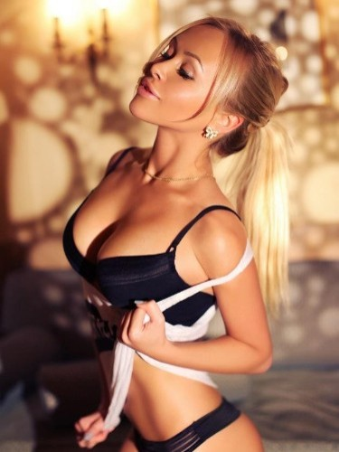Sex ad by escort Kiara (21) in Prague - Photo: 1