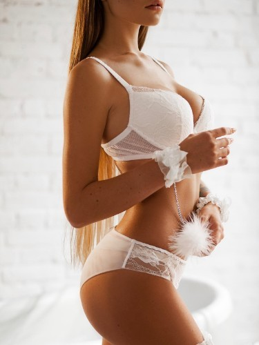 Emily escort in Prague - Photo: 4
