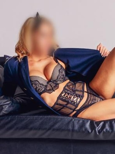 Sex ad by escort Goldie (30) in Prague - Photo: 4