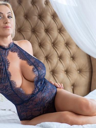 Sex ad by escort Donatella (29) in Prague - Photo: 6