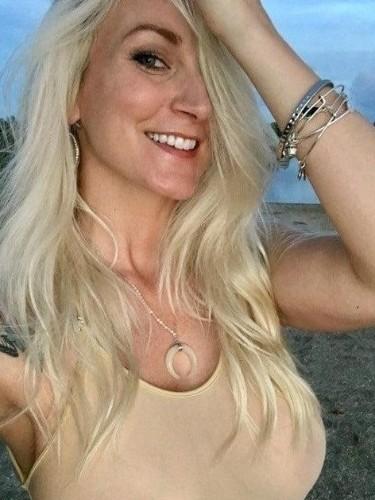 Sex ad by kinky pornstar escort BlondeGirl (24) in Zlin - Photo: 4